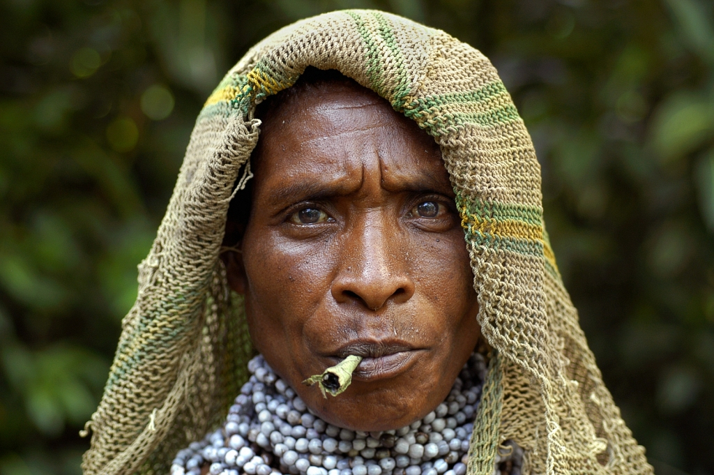 PNG-VILLAGE-WOMAN.jpg